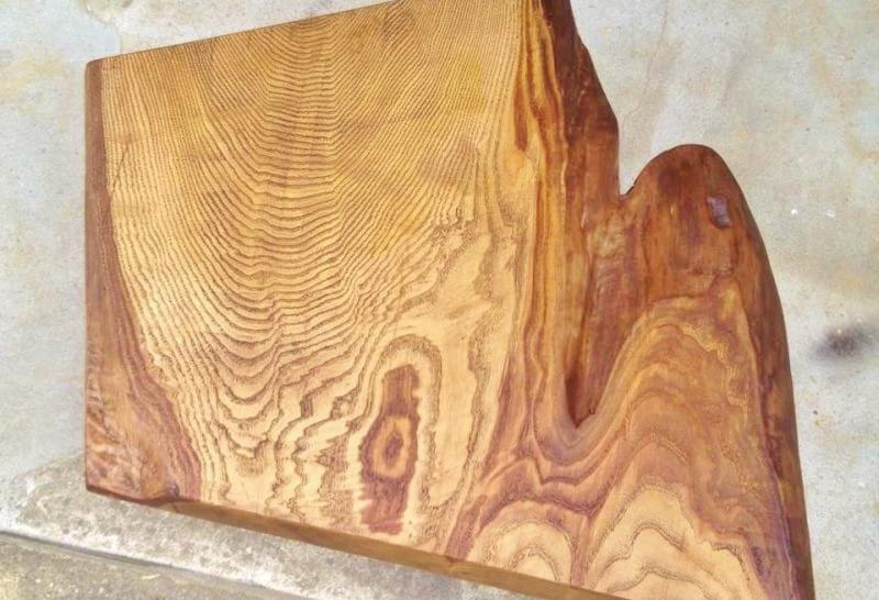 無垢板と流木
